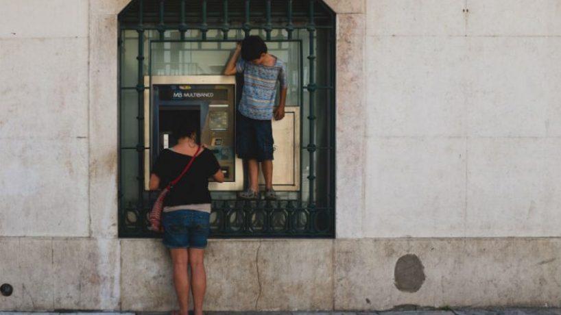 Despedimentos de precários na SIBS (Multibanco)