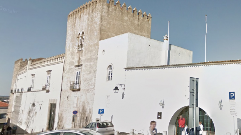 Palácio de Cadaval: despedimentos e férias forçadas no espaço turístico de Évora