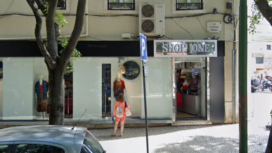 Shop1One despede precários após lay off e nega dias de folga