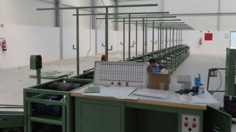 Loped: fábrica de calçado de Cinfães encerra e atira 45 trabalhadoras para o desemprego